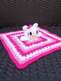 Renate's hooks and so on: Pattern Hello Kitty hugging cloth Crochet Security Blanket, Crochet Lovey, Lovey Blanket, Crochet Cross, Newborn Crochet, Cute Crochet, Crochet Yarn, Craft Patterns, Crochet Patterns