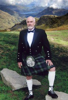 Scottish Man, Scottish Tartans, Scottish Kilts, Scottish Dress, Scottish Clothing, Sean Connery, Beautiful Men, Beautiful People, Men In Kilts