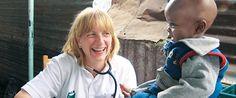 German Doctors e.V. - Schenken und Spenden. Mit Geschenken von www.benefizshoppen.de kann man beides verbinden. Viele Weihnachtsgeschenke für Firmen