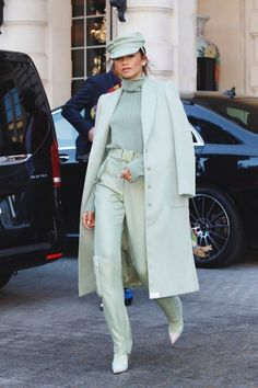 Zendaya Stuns in Mint Monochrome & Mary Poppins-Inspired Loo.- Zendaya Stuns in Mint Monochrome & Mary Poppins-Inspired Looks Zendaya Slays Paris Fashion Week in Mint Monochrome and Mary Poppins-Inspired Looks Mode Zendaya, Zendaya Outfits, Zendaya Style, Mode Outfits, Fashion Outfits, Zendaya Fashion, Twitter Twitter, Zendaya Makeup, Fashion Clothes