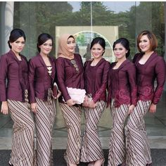 Model Kebaya Batik Parang Kecil Ungu Kebaya Hijab, Kebaya Brokat, Dress Brokat, Batik Kebaya, Kebaya Dress, Kebaya Muslim, Batik Dress, Model Kebaya Modern, Kebaya Modern Dress