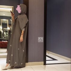 @fati_collection974 /Amaliah.co.uk Arab Fashion, Islamic Fashion, Muslim Fashion, Modest Fashion, Fashion Dresses, Hijabi Girl, Girl Hijab, Hijab Outfit, Easy Hijab Style