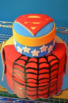 Super Hero Cake, Spiderman, Superman, Wonderwoman and Batman logo on back