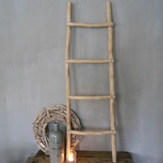 Stoere houten ladder Ladders, Ladder Decor, Diy And Crafts, Check, Home Decor, Houses, Flower, Stairs