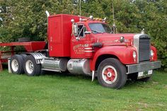 Old Mack Trucks, Big Rig Trucks, Pickup Trucks, Antique Trucks, Vintage Trucks, Retro Vintage, Classic Tractor, Classic Trucks, Mack Attack