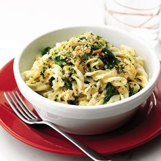 Creamy spinach pasta with gremolata breadcrumbs recipe A simple vegetarian spinach pasta recipe with gremolata (lemon, garlic and parsley) breadcrumbs. Spinach Pasta Recipes, Vegetable Recipes, Fusilli, Gremolata, Quick Vegetarian Meals, Vegetarian Italian, Italian Chef, Vegetarian Food, Creamy Spinach