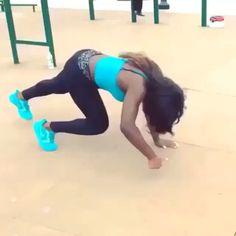 Next level pushups courtesy of @brittnebabe