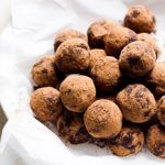 Cacao Nibs Brownie Bites Recipe are crunchy, naturally sweetened, nut free and full of antioxidants healthy snack. How to use cacao nibs. Healthy Candy, Healthy Dessert Recipes, Healthy Desserts, Rum Recipes, Candy Recipes, Real Food Recipes, Brownie Bites Recipe, Rum Balls, Clean Eating Chicken