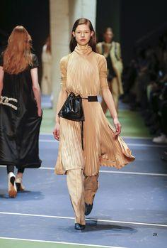 Céline, Look #29  layering / sunburst pleats