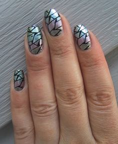Glasscherben Nagelkunst