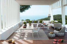 Meubles de terrasse design par Dedon pour un toit-terrasse de luxe
