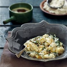 Gnocchi with spinach, cream cheese and brown butter - MyKitchen Gnocchi Spinach, Cream Cheese Potatoes, Chopped Spinach, Free Meal, Vegetarian Cheese, Brown Butter, Rolls, Budget, Vegetables