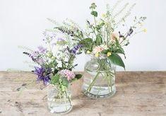 DIY : Flower arrangement in vase by Søstrene Grene Beautiful Bouquet Of Flowers, Beautiful Flower Arrangements, Types Of Flowers, Diy Flowers, Flower Bouquets, Simple Flowers, Flower Crafts, Wedding Flowers, Mason Jar Flower Arrangements