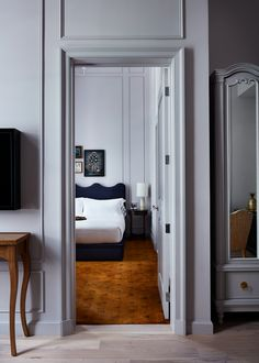 Atelier Ace have partnered with LA-based Studio Shamshiri on Maison de la Luz, a boutique and bespoke guest house in the French Quarter of New Orleans. Chabi Chic, New Orleans Hotels, S Brick, Red Walls, Lilac Walls, One Bedroom, Bedroom Suites, Bedrooms, Lights