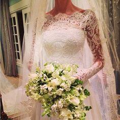 ✦⊱ɛʂɬཞɛƖƖą⊰✦ stunning lace wedding dress