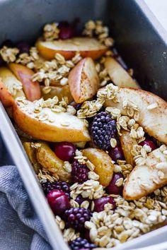 Vegan Cranberry Ginger Crumble Fruit Bake! SUPER easy to make (15 minutes or less), vegan, vegetarian, gluten-free, refined sugar free!