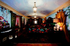 The Empire Suite at the South Beach mansion formerly owned by fashion designer Gianni Versace in Miami Beach, Florida July REUTERS/Gaston De Cardenas Gianni Versace, Versace Casa, Versace Mansion, Versace Home, Versace Miami, Townhouse Interior, Mansion Interior, Room Interior, Mansion Bedroom