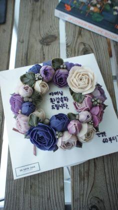 EN REVE CAKE 아버님 생신 케익으로 주문 해주신 앙금플라워 입니다 위에 올려진 꽃들은 제가 한...