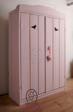 Alleen de allerleukste Kasten & Kisten van de mooiste merken bij Saartje Prum. Bekijk onze collectie online of vraag om persoonlijk advies.
