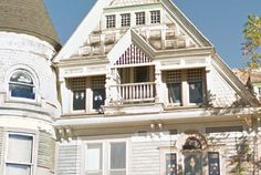 Haunted mansion in New York, would you live here with spirit roommates? #yeg #NicholaElise #NewYork #yegre #realestate #CoffeetoKeys #yegsouth #edmonton