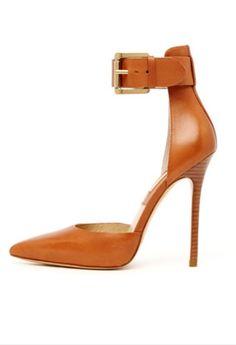 Perfect colored Michael Kors heels!