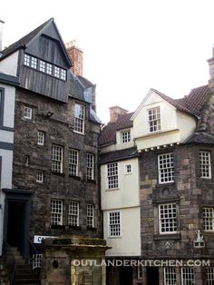 The real life Moubray's is on the left (you can see the stairs up to the second floor)...the building's facade is 17th C, built on foundations laid in 1477. It is one of the oldest still-occupied buildings in Edinburgh, and was home to a tavern in Jamie and Claire's time.From Outlander Kitchen on Facebook