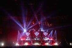 BABYMETAL、宙を舞う! 新曲連打、大発表続々で燃えた横浜アリーナ公演レポート! (画像 4/7)| 邦楽 ニュース | RO69(アールオーロック) - ロッキング・オンの音楽情報サイト