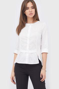 d793863621d Оригинального кроя поплиновая блуза с удлиненной спинкой и аккуратной баской