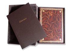 Caja, libro y láminas. Madrid, 2005. Imprenta Artesanal. Símil-piel editorial con dorados. 185pp., 30'5x22'5cm.