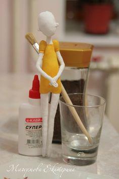 Екатерина Магсумова...this artist paints fabric dolls with a mix of glue, water & paint