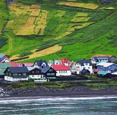 You may look at this and immediately think Scandinavia. Well you'd be right. But this isn't just Oslo or Bergen– this is the totally undiscovered gem of Tórshavn in the beautiful Faroe Islands. Where you can find the less expected combination of hikes for the most intrepid adventurer (or even the gentle ambler) plus giant lobsters transformed into Michelin starred dining at @koks_restaurant in the tiny hamlet of Kirkjubøur. High octane helicopter trips followed by traditional wind dried…