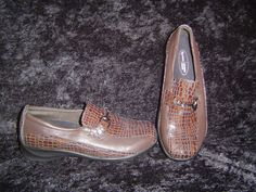 Ladies Detrex brown leather croc customized comfort slip on loafer sz. 6.5 med. #Detrex #LoafersMoccasins
