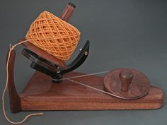 Hand crafted ball winder * I need to study this construction