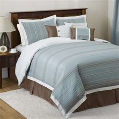 blue/brown bed linens