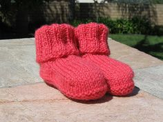 Free pattern, has picture tutorial, using sport weight yarn