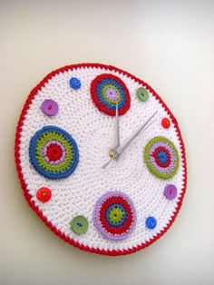 Crochet wall clock with circles and buttons- hell yeah!