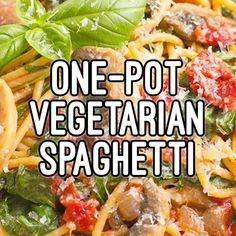 Vegetarian spaghetti with mushrooms and spinach makes an easy, healthy one-pot pasta dinner that's ready in 25 minutes! Vegetarian spaghetti with mushrooms and spinach makes an easy, healthy one-pot pasta dinner that's ready in 25 minutes! Vegetarian Recipes Videos, Vegetarian Breakfast Recipes, Good Healthy Recipes, Veggie Recipes, Diet Recipes, Vegan Meals, Vegan Recipes For Beginners, Quick Easy Healthy Dinner, Plant Based Dinner Recipes