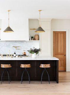 Interior Modern, Home Interior, Interior Design, Studio Mcgee, New Kitchen, Kitchen Dining, Cocinas Kitchen, Kitchen Photos, Home Studio