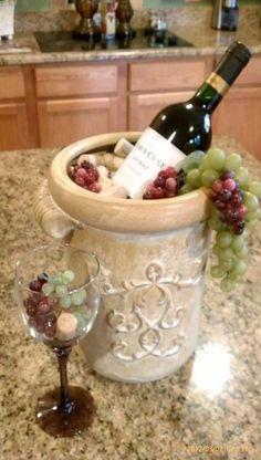 65 Trendy Ideas For Kitchen Decor Wine Theme Awesome - Home Decor Wine Theme Kitchen, Grape Kitchen Decor, Italian Kitchen Decor, Kitchen Decor Themes, Vintage Kitchen Decor, Country Kitchen, Kitchen Ideas, Red Kitchen, Rooster Kitchen