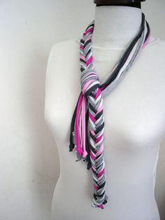 T shirt scarf Scarf Necklace Unique Accessories por DesignHappyDay