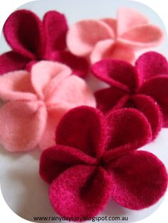 FELT FLOWERS TUTORIAL. Adorable for the kids to do and use green pipe cleaners as a stem!  For spring theme!