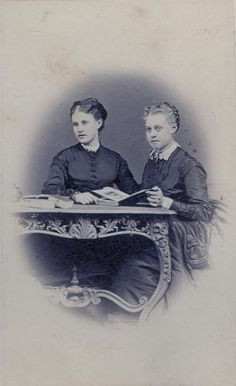 Archduchess Mathilde of Austria and Princess Frederica of Hanover.