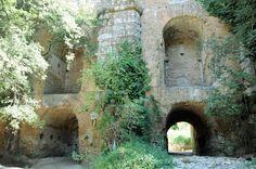 El Aqua Marcia en el Ponte Lupo, en Gallicano (Lacio). Obra reforzada y ampliada en sucesivas fases.