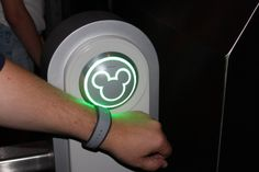 Our experience with MagicBands w/Fastpass+ at Walt Disney World  - Epcot and Disney's Hollywood Studios!
