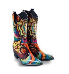 Met deze stoere, hippe regenlaarzen van het merk #Talolo trotseer je in stijl een rainy day. Deze kleurrijke beauty's hebben een lekker zacht voetbed en een mooie stevige hak.