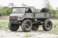 Could you stand life in the slow lane? Jeep 4x4, Jeep Truck, Pickup Trucks, Ford Trucks, Mercedes Benz Unimog, Mercedes Truck, Jimny Suzuki, Army Vehicles, Expedition Vehicle