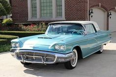 Vintage Cars Classic 1960 Ford Thunderbird for sale Old American Cars, Ford Lincoln Mercury, Car Museum, Best Muscle Cars, Ford Classic Cars, Ford Thunderbird, Car Ford, Ford Motor Company, Amazing Cars
