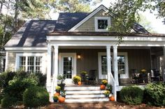 Front-porch-decorated-for-fall-Talk-of-the-House-1024x682(pp_w725_h482)