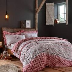 Stylish and contemporary duvet covers available from Dunelm. Our bed linen range includes a variety of colours and patterns, all made with high quality material and in every size, from single to king size duvet covers. King Size Duvet Covers, Duvet Cover Sets, Quilt Bedding, Linen Bedding, Bed Linens, Contemporary Duvet Covers, Nursery Bedding Sets Girl, Cool Beds, Quilt Sets