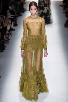 Valentino Fall 2014 Ready-to-Wear Fashion Show - Natalie Westling (Elite)
